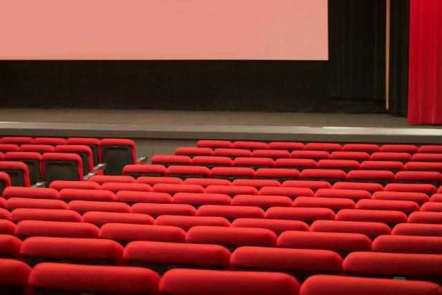 劇場・発表会・楽屋お見舞いにおすすめの胡蝶蘭|人気の理由と贈る際のマナー